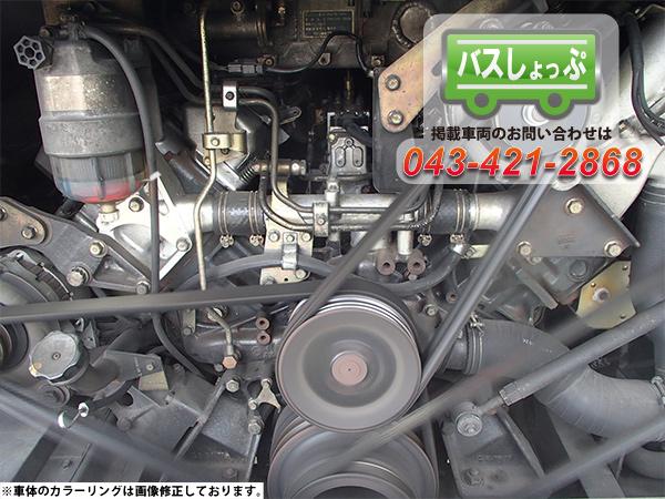 エンジンは、370馬力、排気量約21,000CCのV8エンジン、8M21